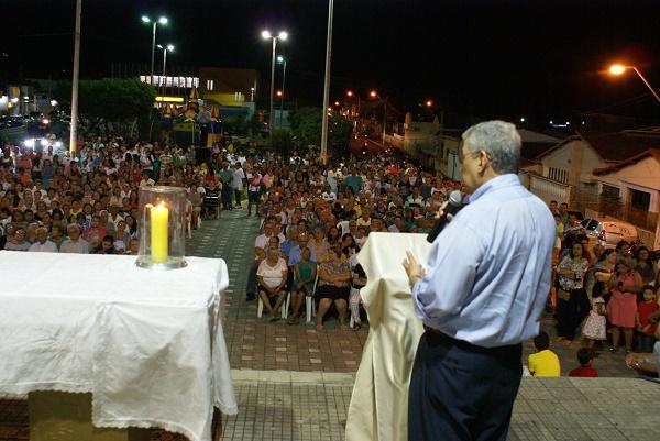 Senador Garibaldi participa da Missa em Ação de Graças em homenagem a memória de Monsenhor Expedito