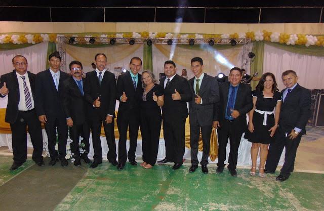 Prefeita Suely, o vice-prefeito Bobo e os nove vereadores (Foto: Euripedes Dias)