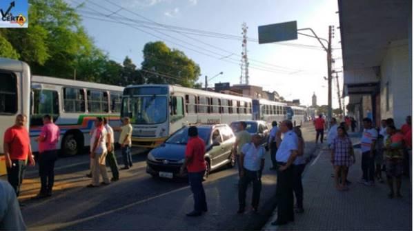 ônibus parados em Natal (Foto: Via Certa)