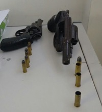 Resultado de imagem para Polícia prende grupo que estava com armas e munições em Parelhas