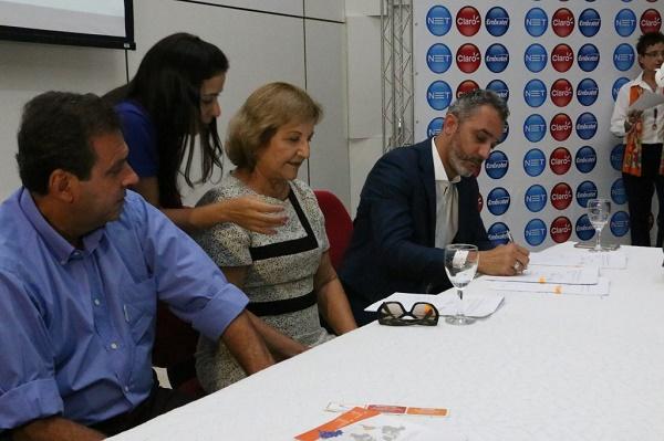 Autoridades assinam convênio do Educonexão com a Prefeitura do Natal