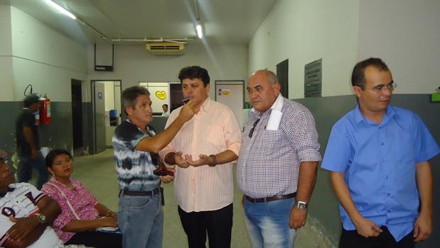 Prefeito Maurício ao ser entrevistado pelo repórter Oliveira Filho da 89 FM