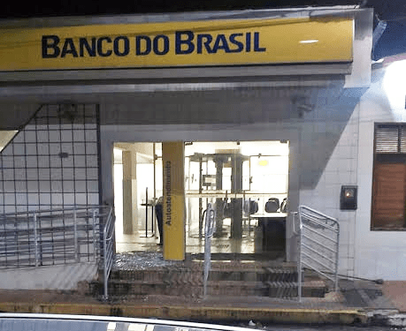gência do Banco do Brasil também prejudicada pela ação dos bandidos