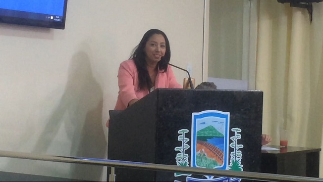 Vereadora Aize se destaca com atuação na Câmara