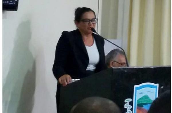 Vereadora Kelly  na defesa da Educação Municipal