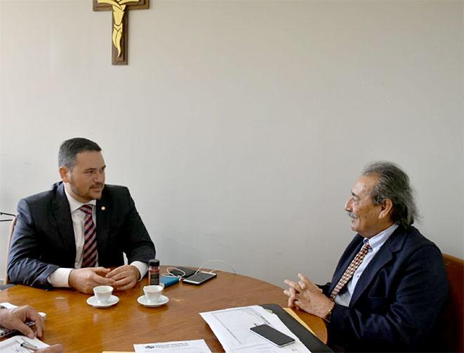 Resultado de imagem para José Adécio apresenta reivindicações de municípios ao deputado Beto Rosado