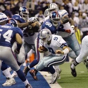 El QB de los Dallas Cowboys, Tony Romo