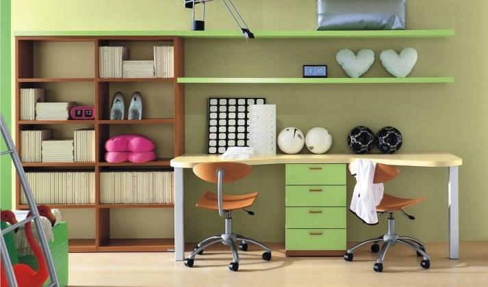 Cel mai bun birou pentru copii cum să îl alegi