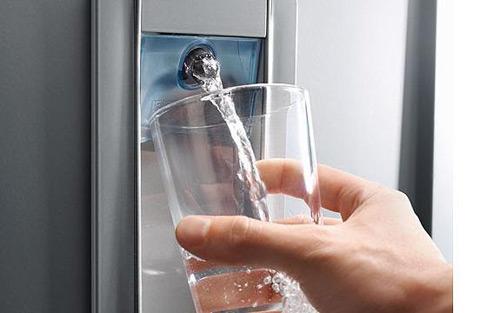 cel mai bun dozator de apă