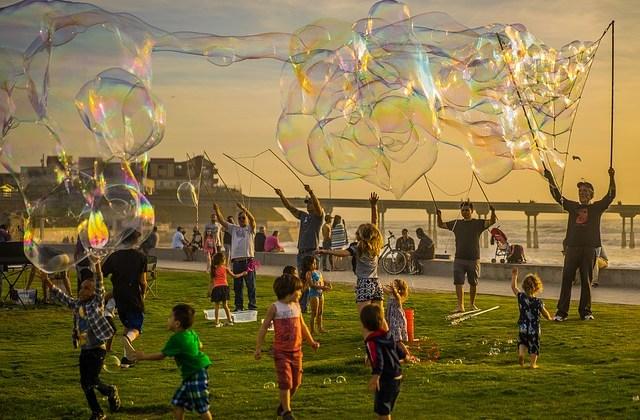 Cum organizezi o petrecere reușită pentru copii chiar la tine acasă