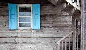 cum protejezi lemnul la exterior