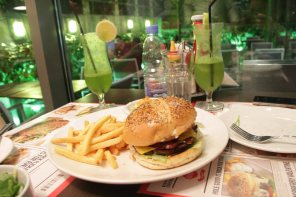 Cordon Blues Burger
