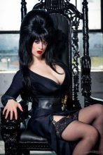 Elvira Cosplay 10
