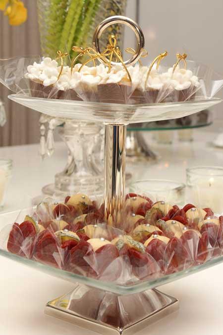 Mesa de Jantar Decorada para Casamento Festa Velas Fotos