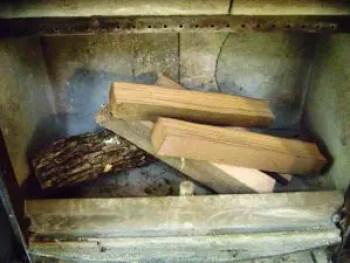 cum-fac-focul-in-soba-pe-lemne-3