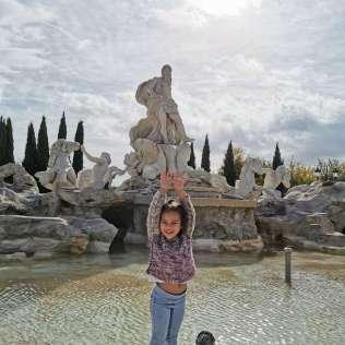 replica fontana de trevi