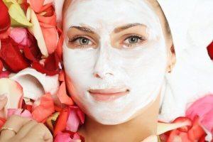 Mặt nạ giúp da trắng hồng mịn màng