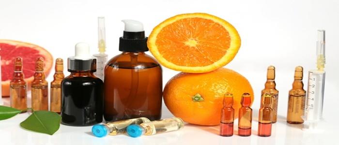 Dùng serum vitamin c bị lên mụn