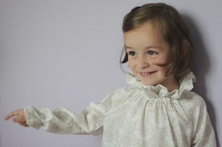 Patron couture Enfant - Blouse / Chemise de nuit à col pierrot