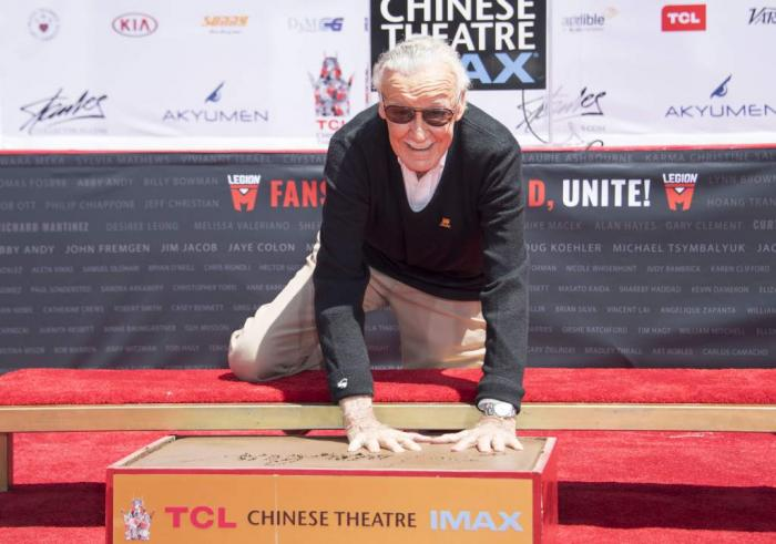 Stan Lee huellas teatro chino