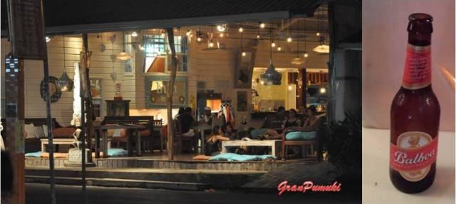 Noche en Bocas del Toro con una cerveza Balboa. En Blog de Viajes, Bocas del Toro con niños