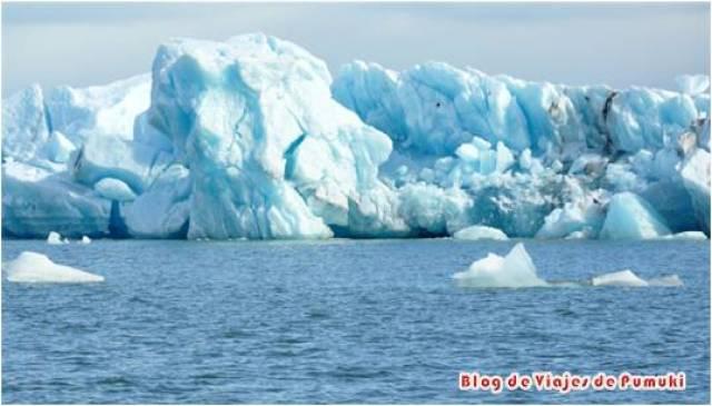 Jokulsarlon, el Lago Glaciar en Islandia a sido escenario de numerosas películas por su belleza.