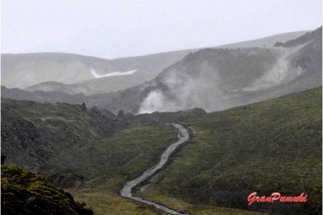 Senderos y fumarolas en Landmannalaugar