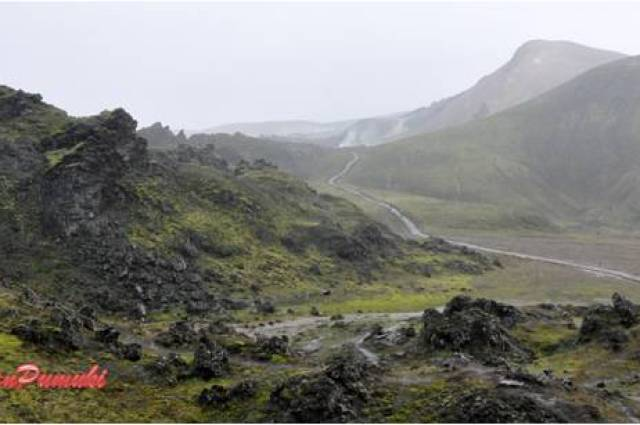 El recorrido desde Hella hasta Landmannalaugar es solo transitado por pocos vehículos todoterreno.