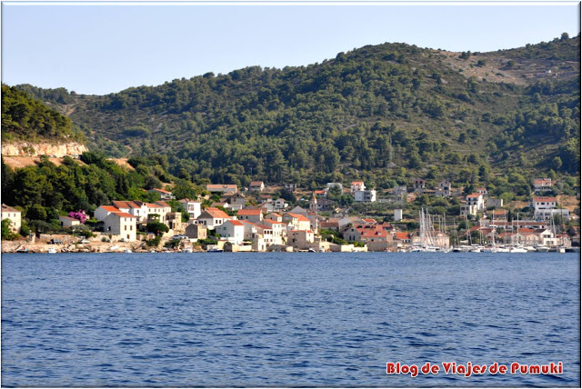 Pueblo de Vis, en la Isla de Vis. Mar Adriático de Croacia