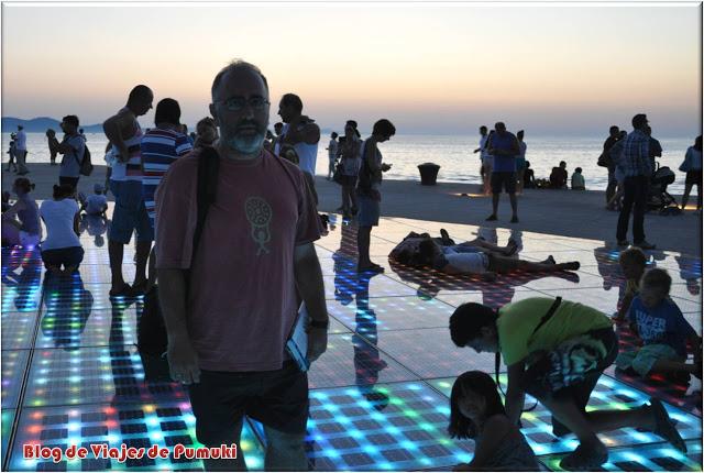 Atardecer en el Saludo al Sol, Zadar