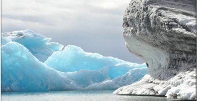 Icebergs en el lago glaciar, Jokusarlon, Islandia, el país del Hielo