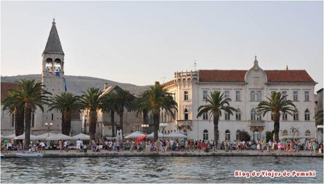 Trogir en Croacia, Patrimonio de la Humanidad. Ciudad medieval con encanto viajando por Croacia