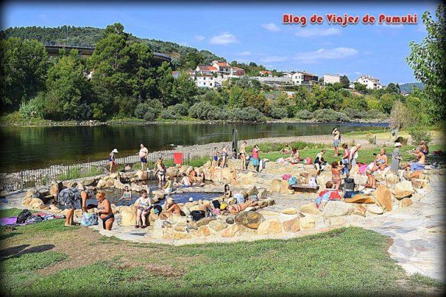 Termas públicas de Chavasqueira, junto al Miño, en Ourense