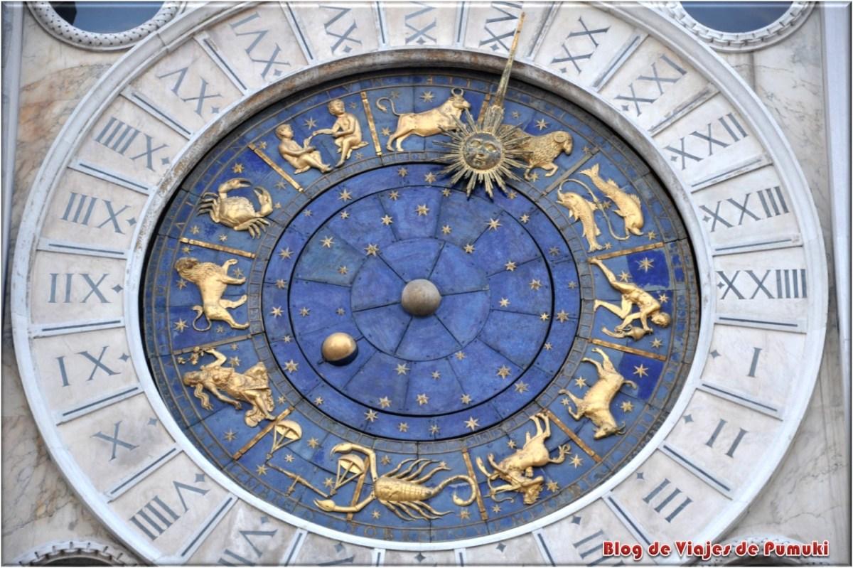 Reloj de la Plaza de San Marcos en Venecia