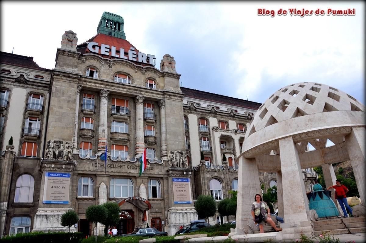 El Balneario Gellert de Budapest se hizo popular por el anuncio de los cuerpor danone