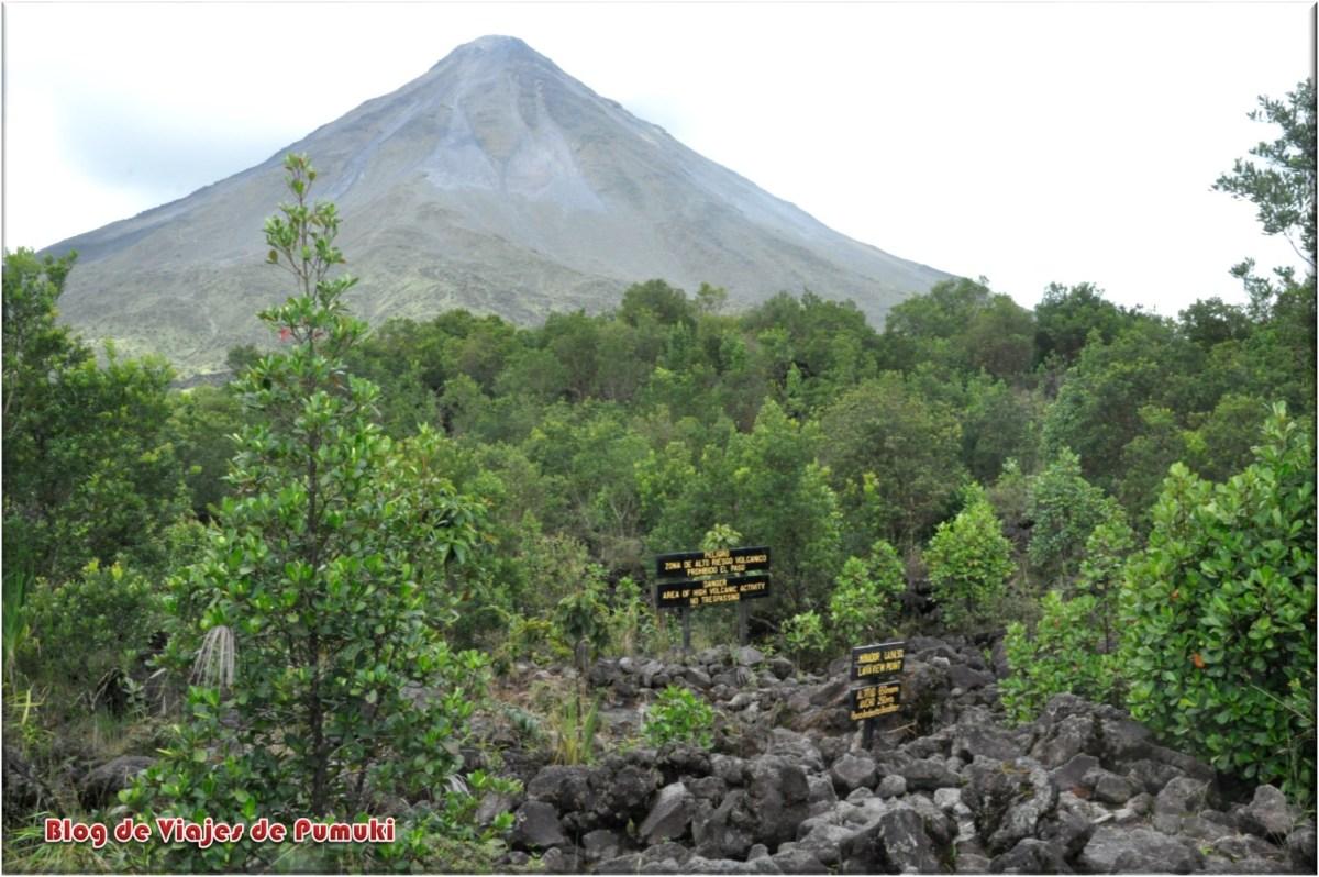 Coladas del volcán Arenal en Costa Rica