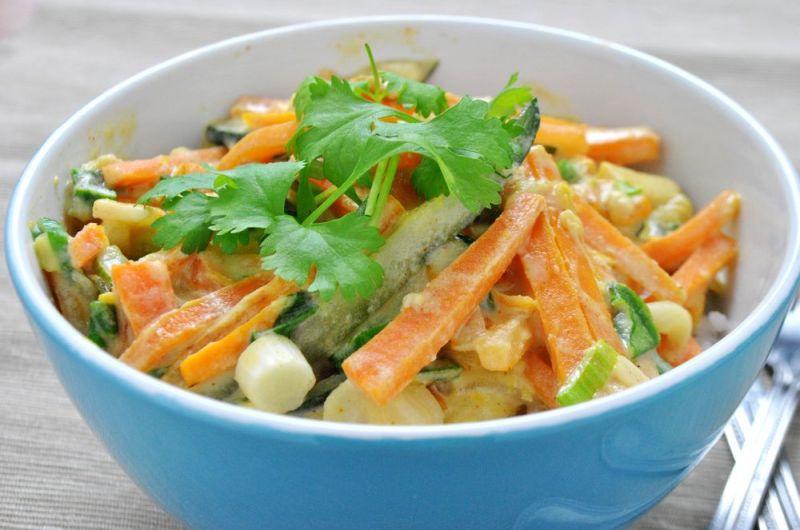 Warzywa z woka w sosie sezamowo-kokosowym