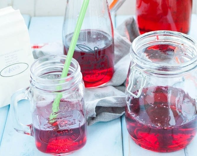 Lemoniada z hibiskusa - zdrowa alternatywa dla napojów