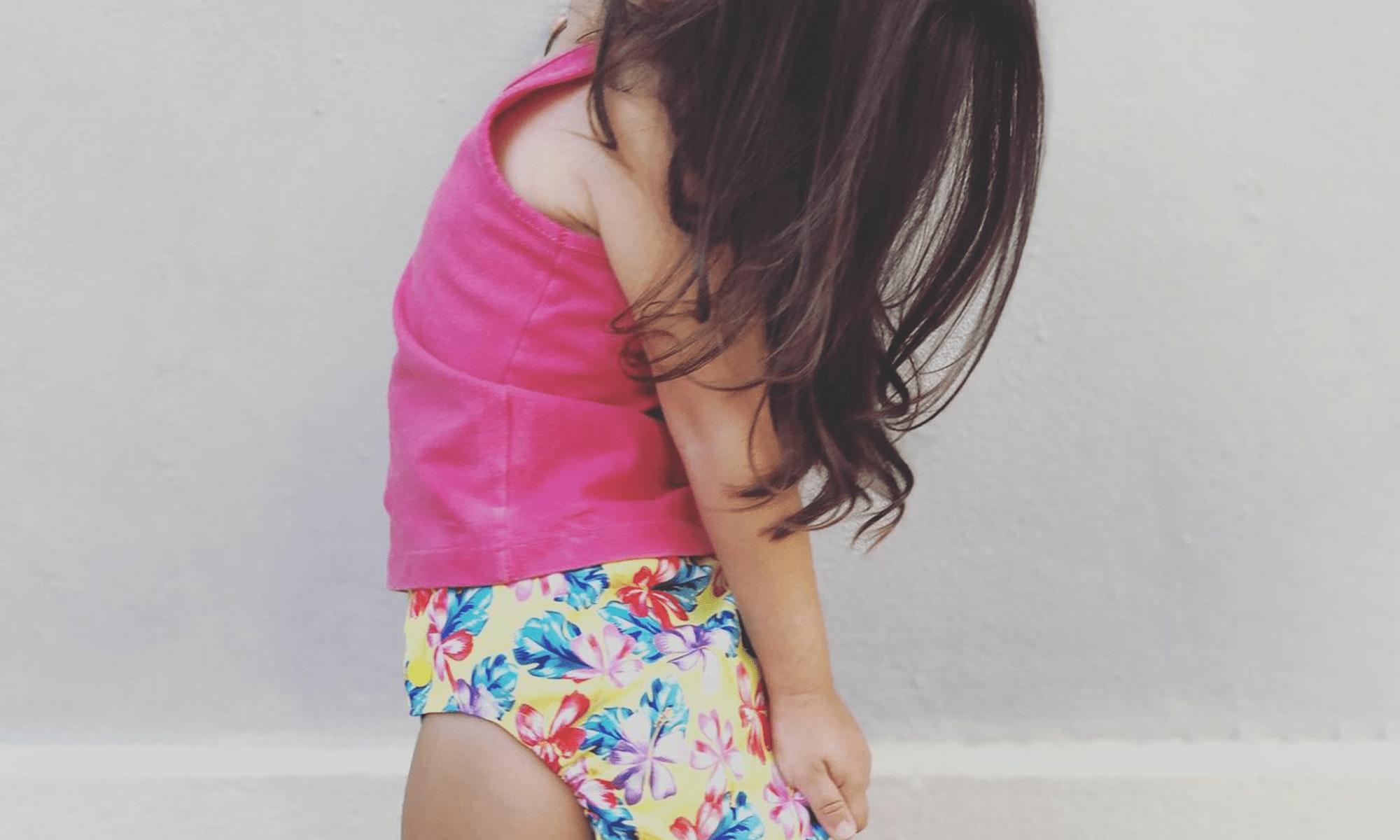 Imagem de bebê usando fralda de pano