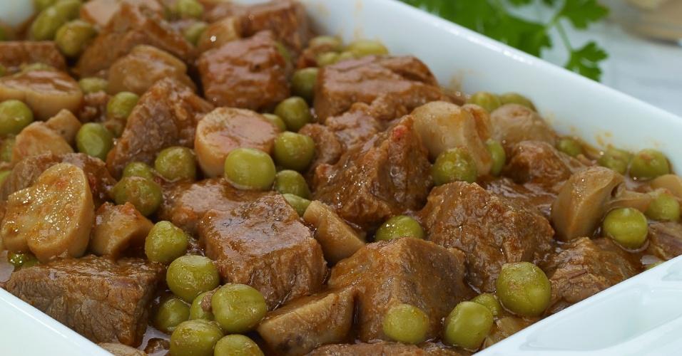 Carne de Panela com Ervilha e Champignon