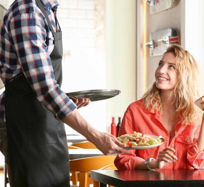 veja como encantar e fidelizar seus clientes investindo pouco