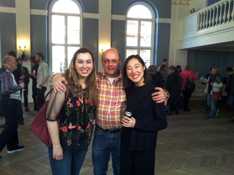 Besøgsfamilie og studerende fra DIS