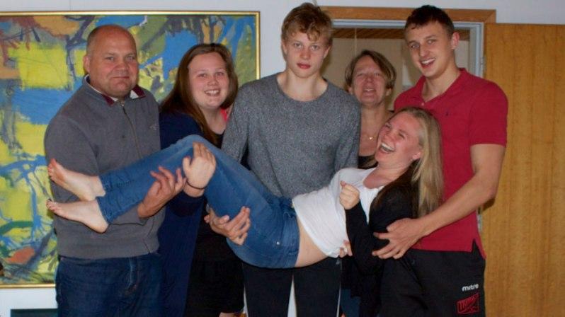 Runa-family_1.jpgedited