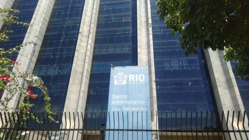Prefeitura do Rio tem nova categoria de funcionário fantasma às avessas