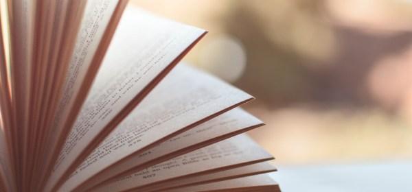Prefeitura do Rio faz licitação par comprar livros de 139 reais