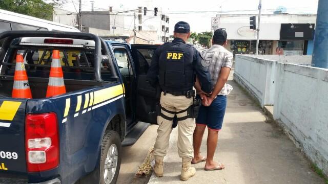 Jovem é detido com pistola municiada em Garanhuns