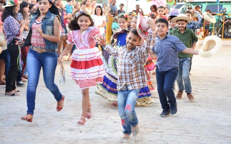 Rede municipal de ensino de Santa Cruz do Capibaribe inicia comemorações juninas