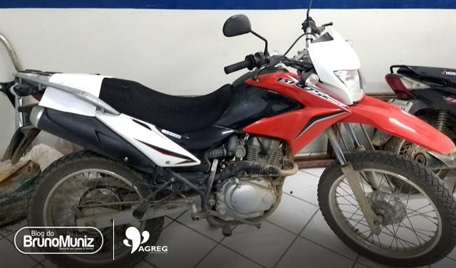Motocicleta roubada é recuperada após rastreio em Santa Cruz do Capibaribe