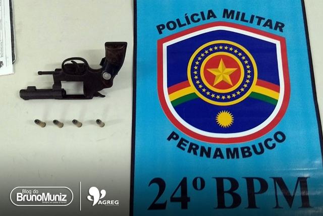 Jovens são detidos com arma de fogo em Toritama