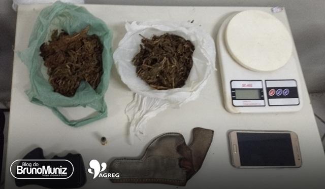 Jovem é detido com droga, munição e cabo de revólver em Santa Cruz do Capibaribe